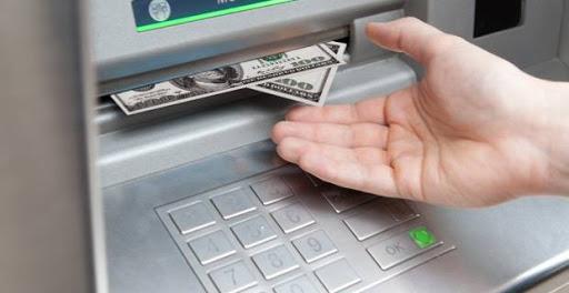 ¿Cuánto dinero se puede sacar en un cajero?